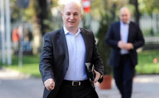 Afirmații incendiare din interiorul PSD: Grindeanu se gudură în fața lui Dragnea, care e considerat acum un pericol pentru partid