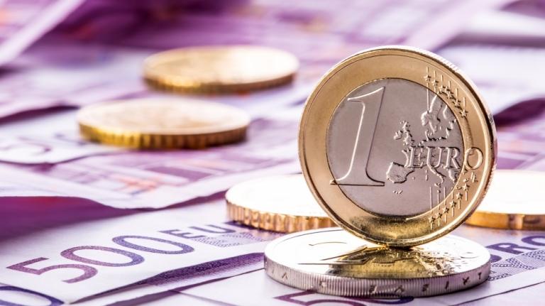 BREAKING NEWS / EURO la un nou maxim istoric: 4,8184 lei