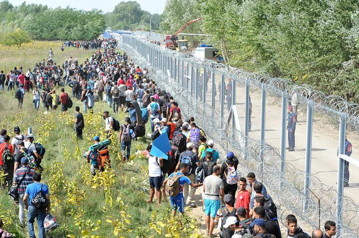 Polonia instituie stare de urgentă din cauza migranților