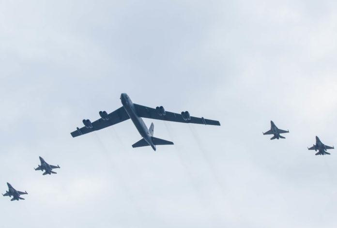 bombardier b52 si f16