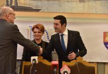 Foto: Șeful CNAIR, Narcis Neaga (stânga) împreună cu Olguța Vasilescu și Claudiu Manda, șeful PSD Dolj