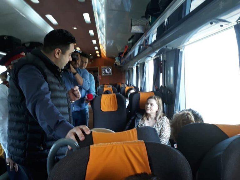 Ministrul Cuc, INCOGNITO cu trenul spre mare: Să ai coșul de gunoi în fața ta și să alegi să arunci gunoiul pe jos e semn că nu ai ajuns sau nu vrei să fii civilizat