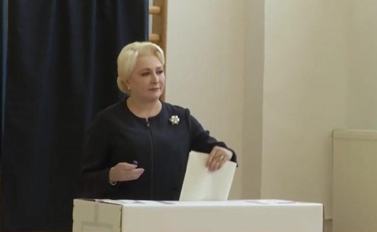 Viorica Dăncilă a votat la Colegiul Sfântul Sava din București: Am votat din inimă și cu inimapentru poporul român