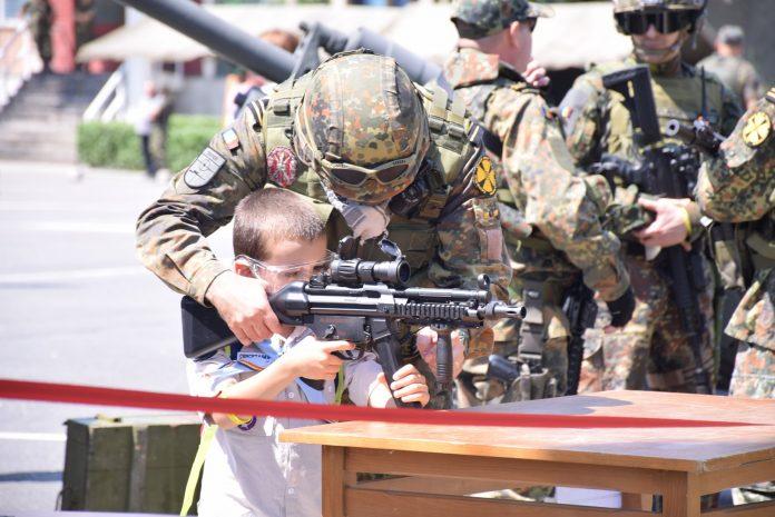 Brigada 30 Gardă Mihai Viteazul ziua portilor deschise