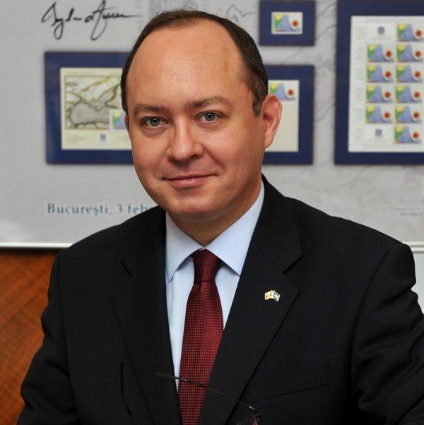 Aurescu îi îndeamnă pe românii din diaspora să folosească votul prin corespondenţă
