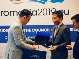 ministrul Ștefan-Radu Oprea și Tran Tuan Anh, ministrul vietnamez al Industriei și Comerțului