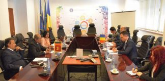 Stefan Radu Oprea cu ministrul afacerilor externe din Sri Lanka