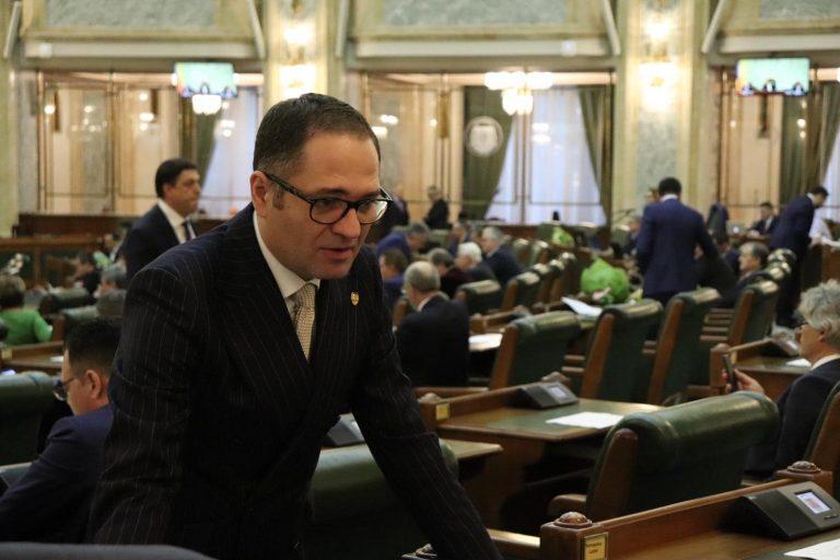 Senatorul Bogdan Matei, mesaj de 1 Decembrie: Ziua Națională a României este un prilej de reflecție asupra vocației pe care o avem ca popor în concertul națiunilor