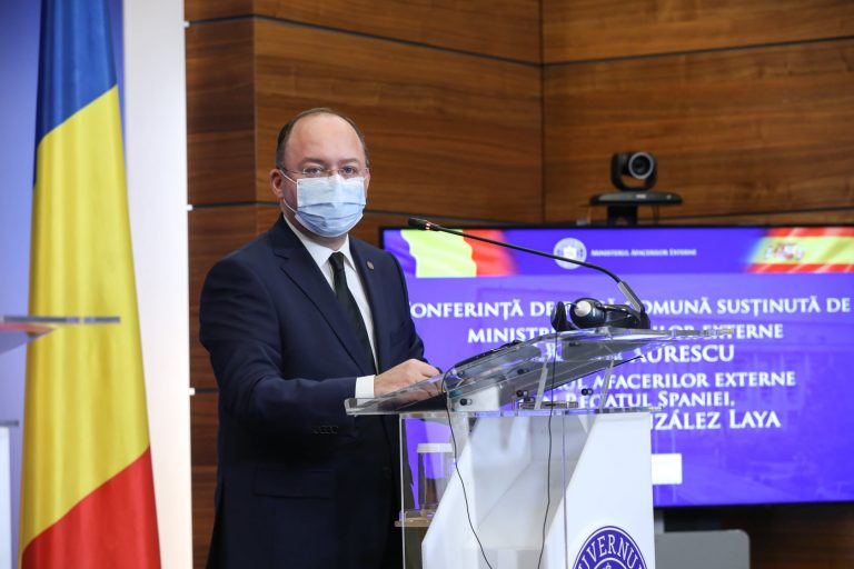 Ministrul Afacerilor Externe, Bogdan Aurescu: Condamn cu fermitate atacurile teroriste din Kabul; Cei 9 cetăţeni români nu au fost afectaţi