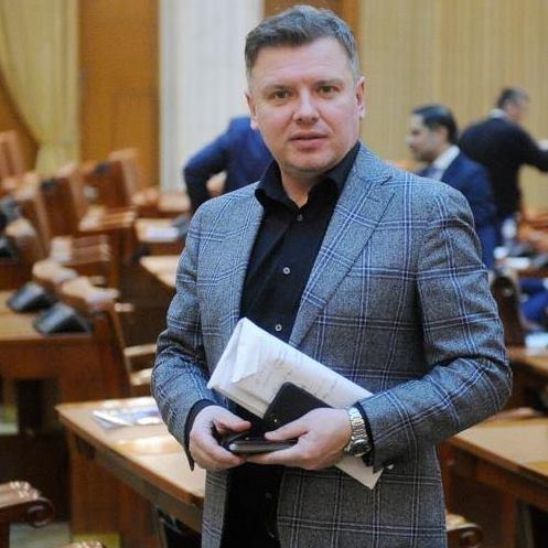 Silviu Macovei(PSD), reacție virulenta după ce Guvernul a tăiat aproape 89% din banii alocați Bisericii: PNL și USR cu Cîțu și Barna în frunte au depășit orice limită a incompetenței și a relei voințe în ceea ce privește țara asta