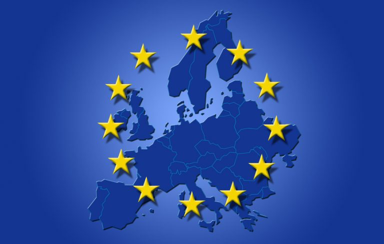 UE cere talibanilor din Afganistan încetarea focului