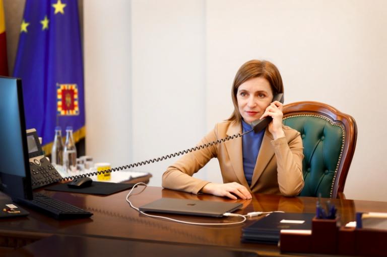 Maia Sandu a cerut Comisiei Electorale Centrale să-și revizuiască decizia prin care s-a opus deschiderii mai multor secții de vot în diasporă