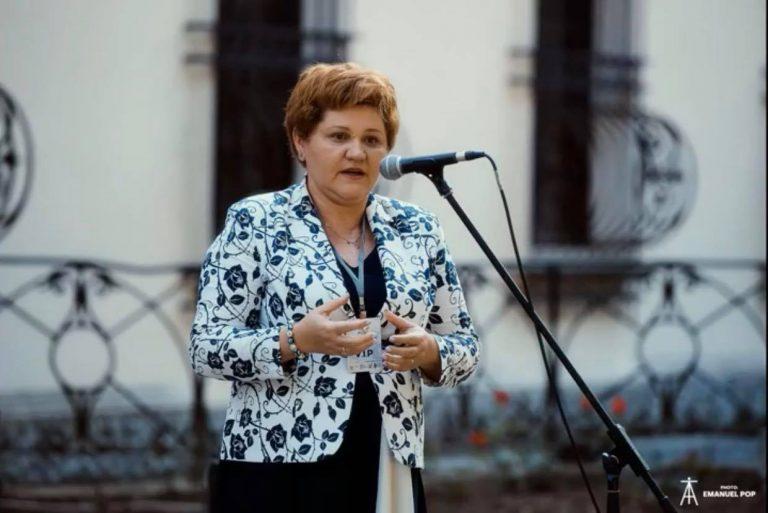 """Oana Ozmen(deputat USR PLUS): Aceste două luni de """"vacanță parlamentară"""" nu sunt un concediu pentru mine"""