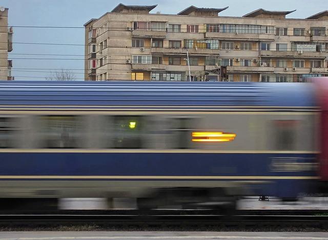 Din cauza caniculei, CFR reduce viteza de circulație a trenurilor