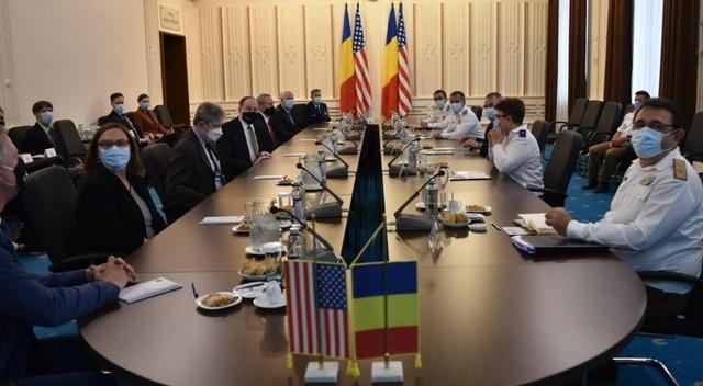 Secretarul american al Apărării va veni în România