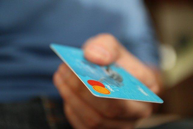 Inițiativa care introduce obligativitatea implementării sistemelor online de plăți în toate instituțiile publice, adoptată de Senat