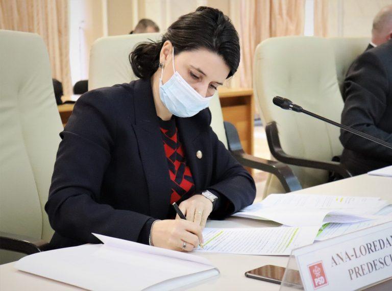 Ana Predescu(deputat PPU SL), mesaj către ministrul Educație la începutul școlii: Îmi exprim încrederea că va face toate demersurile pentru ca orele de școală să se desfășoare normal, în clase, cu prezență fizică