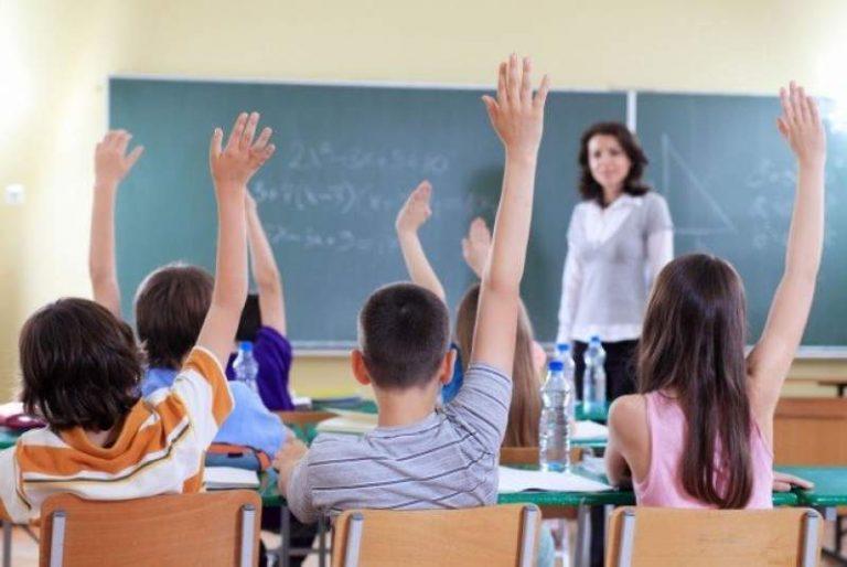 Cum vor fi testați elevii care se întorc la școală după ce s-au vindecat de COVID. Anunțul ministrului Educației