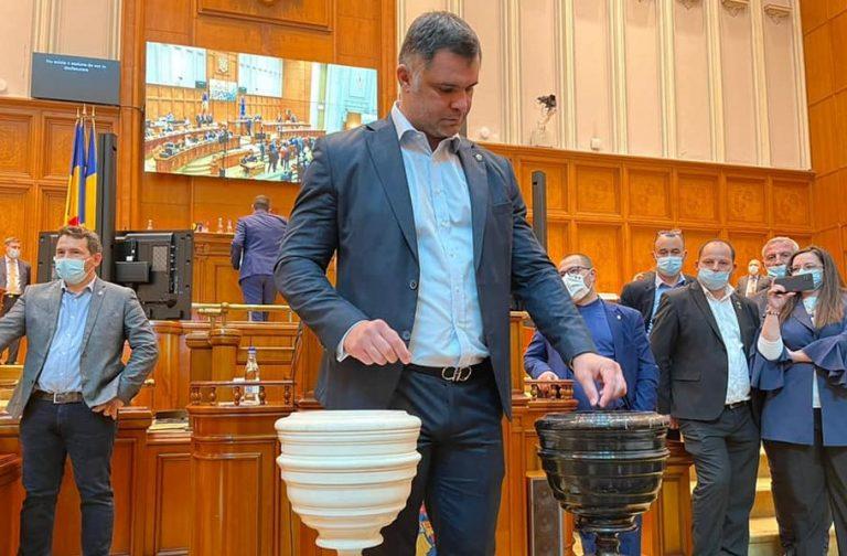 Daniel Ghiță(deputat PSD) a votat moțiunea de cenzură împotriva Guvernului Cîțu