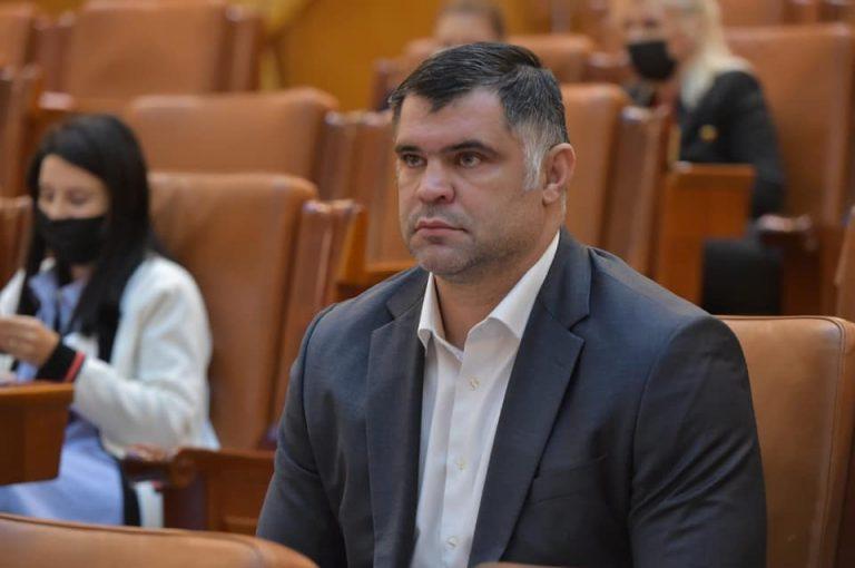 """Daniel Ghiță – REACȚIE la noile restricții: """"Ne restrâng drepturi și libertăți pentru a ne vaxxina"""""""